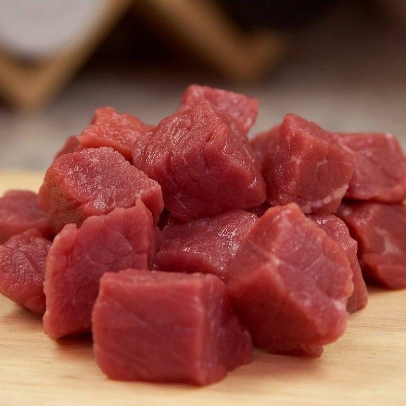Carne en cubos
